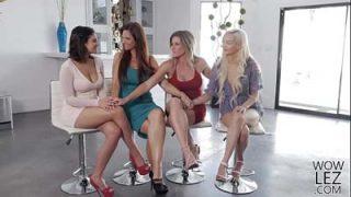 Muy emocionante vídeo de sexo grupo de lesbianas