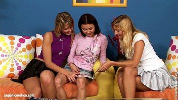 Video lésbico de tres chicas jóvenes y sexys