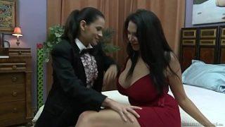 Missy Martinez y Vanessa Veracruz Videos eroticos.